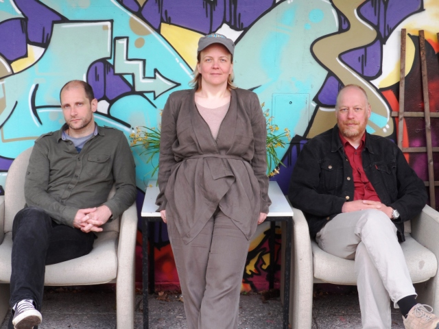 v.l.n.r.: Wolfgang Lukaschek (Aufnahme, Audio-Engineering), Sina Vogt (Produktion und Regie), Elmar Vogt (Buch, persönlicher Assistent von Frau Vogt)