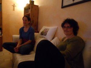 """Barbara, die """"Ace"""" sprechen wird (links) und Doris in der Rolle von """"Agrippa"""" (rechts). -- Bilder von Sina"""