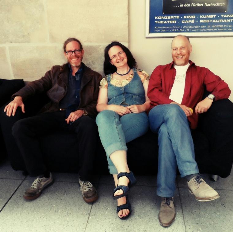 Bryan Hillesheim (recording, music), Doris Rubruck (the time lady, cutting), Elmar Vogt (script, production and direction)